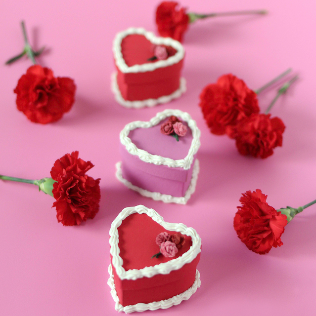 DIY Valentine's Day Cake Gift Boxes