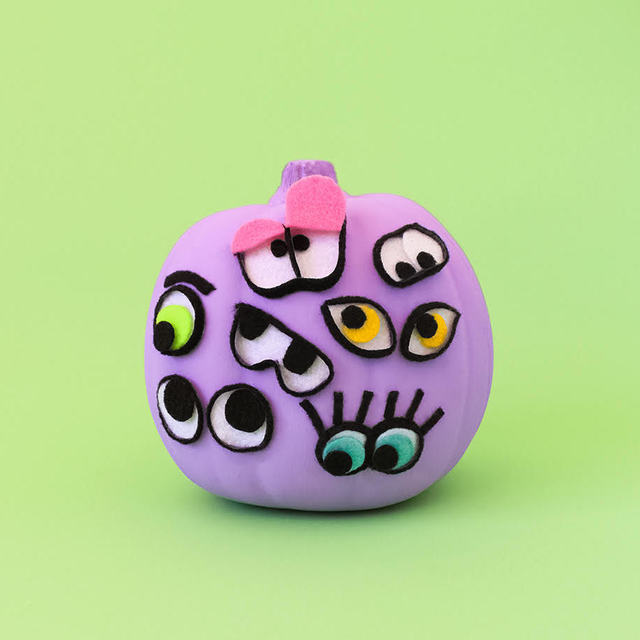 DIY Googly Eyed Pumpkins